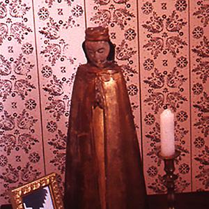 "<b>Amalia Mesa-Bains</b> <i>Sor Juana Inez de la Cruz's Library (detail)</i>, installation,  11"" x 7, 199"